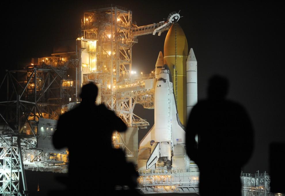 14. USA, Canaveral, 23 lutego 2011: Fotoreporterzy obserwują przygotowania do startu wahadłowca. AFP PHOTO/Stan HONDA