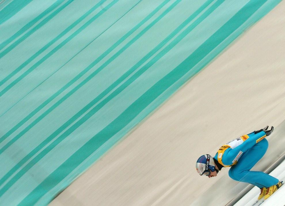 25. SŁOWENIA, Planica, 20 marca 2005: Adam Małysz podczas zawodów w Planicy. AFP PHOTO/JOE KLAMAR