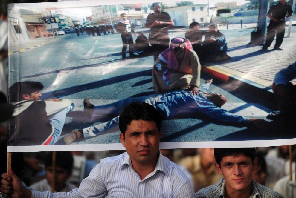 29. PAKISTAN, Karaczi, 20 marca 2011: Szyici protestujący przeciw nalotom na Libię. AFP PHOTO/Rizwan TABASSUM