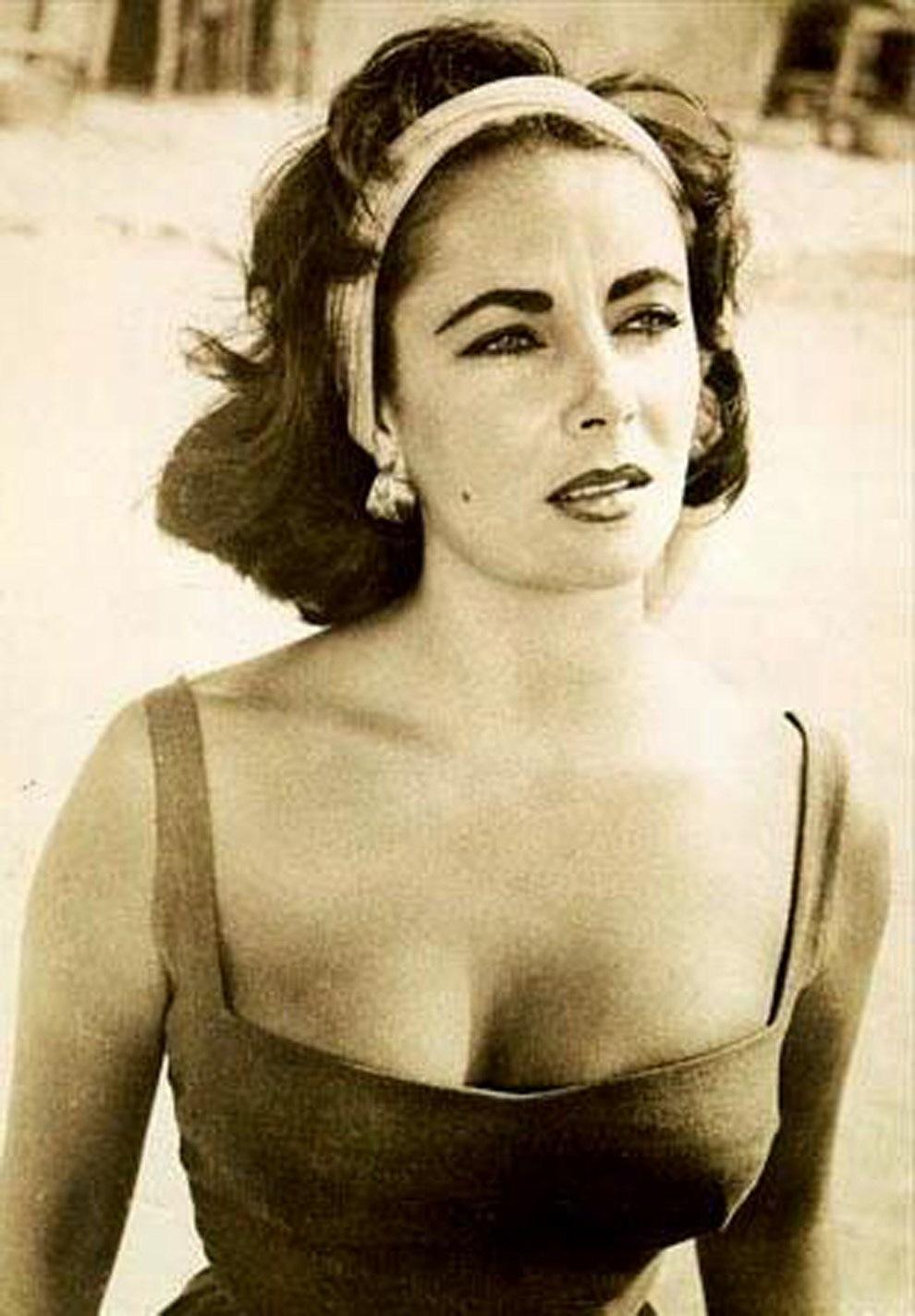 33. USA, Hollywood, data nieznana: Portret Elizabeth Taylor, która zmarła w Los Angeles w wieku 79 lat. AFP PHOTO / Files