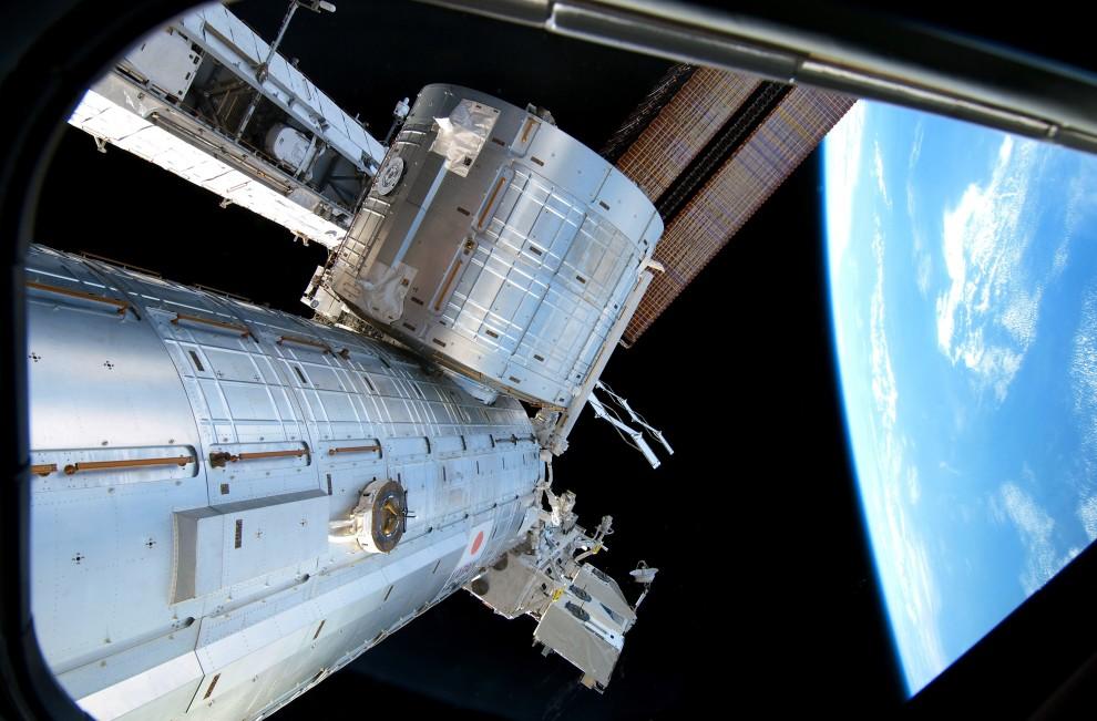 33. Przestrzeń kosmiczna, 26 lutego 2011: Widok z Kibo – Japońskiego modułu MSK. (Foto: NASA via Getty Images)
