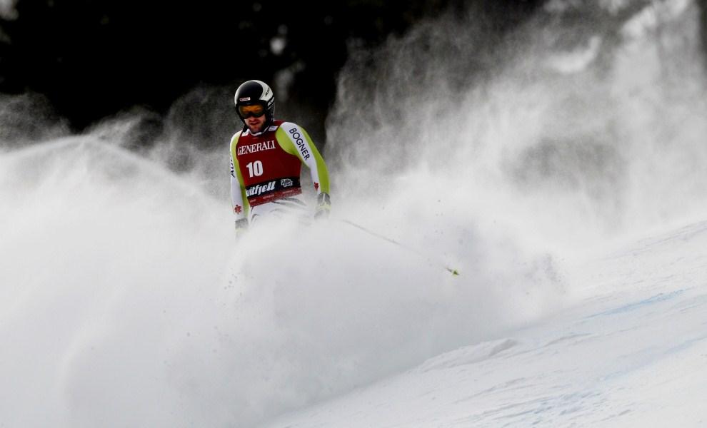 37. NORWEGIA, Kvitfjell, 13 marca 2011: Niemiec Stephan Keppler wypada z trasy supergigantu. AFP PHOTO / DANIEL SANNUM LAUTEN