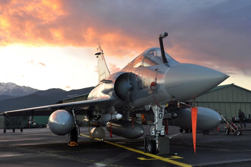 3. FRANCJA, Solenzara, 19 marca 2011: Mirage 2000 we francuskiej bazie wojskowej. EPA/ECPAD/HO