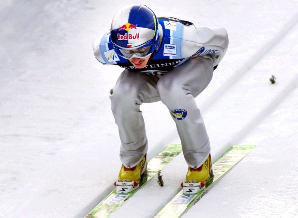 4. CZECHY, Harrachov, 9 marca 2002: Adam Małysz na skoczni w Harrachovie. (Foto: Danny Gohlke/Bongarts/Getty Images)