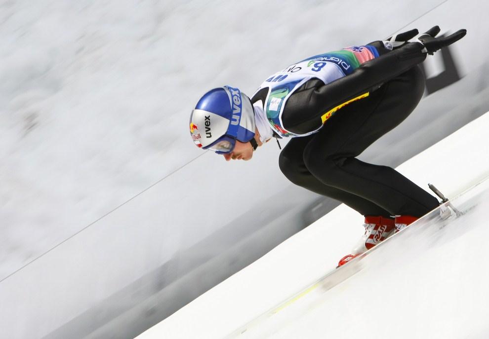 5. SŁOWENIA, Planica, 21 marca 2010: Adam Małysz podczas zawodów drużynowych w Planicy. (Foto: Stanko Gruden/Agence Zoom/Getty Images)