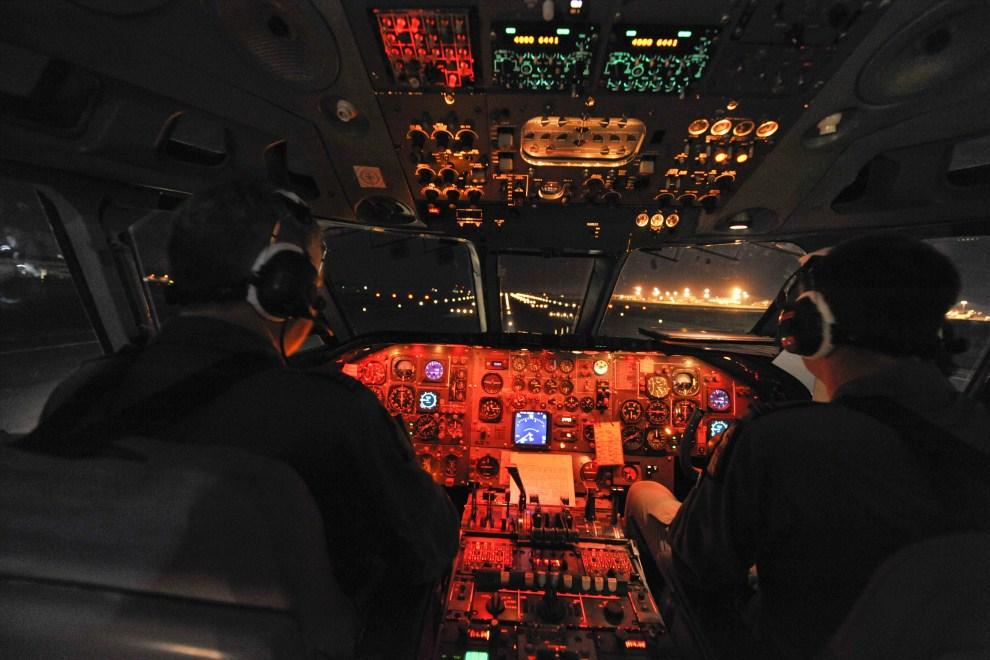 9. 20 marca 2011: Należacy do RAF VC10, przystosowany do zaopatrywania innych samolotów w paliwo w powietrzu. EPA/SAC NEIL CHAPMAN / MoD MANDATORY
