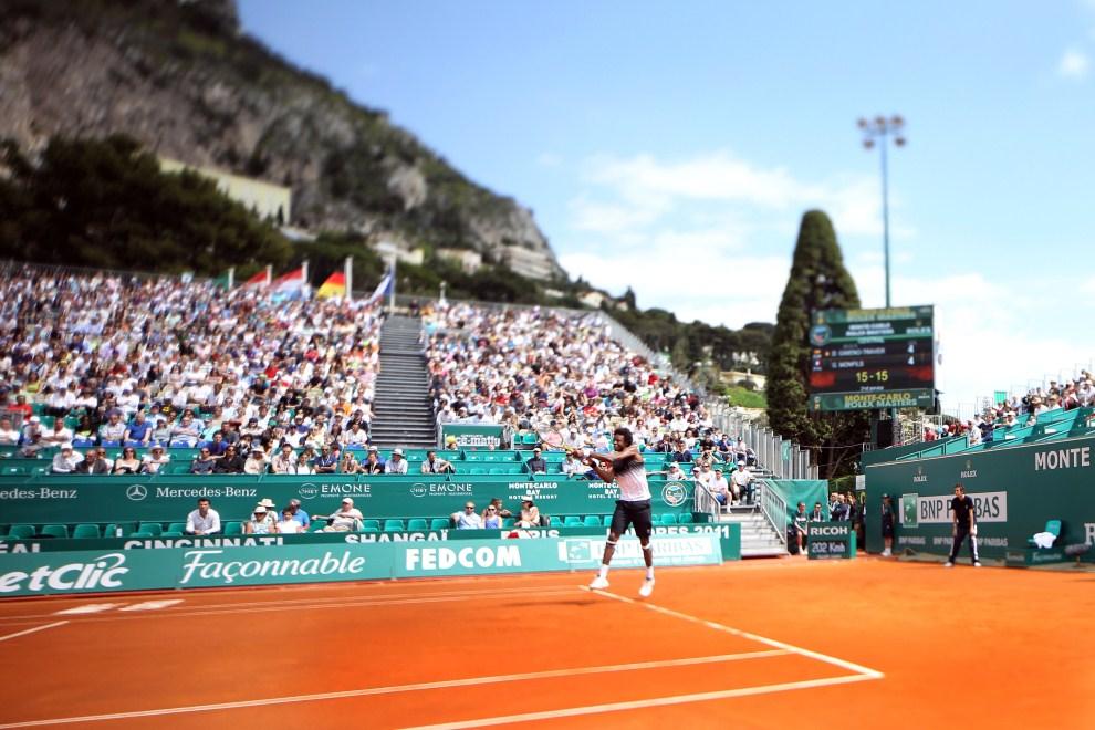 12. MOANKO, Monako, 13 kwietnia 2011: Francuz Gael Monfils podczas meczu na turnieju Monte-Carlo ATP. AFP PHOTO VALERY HACHE