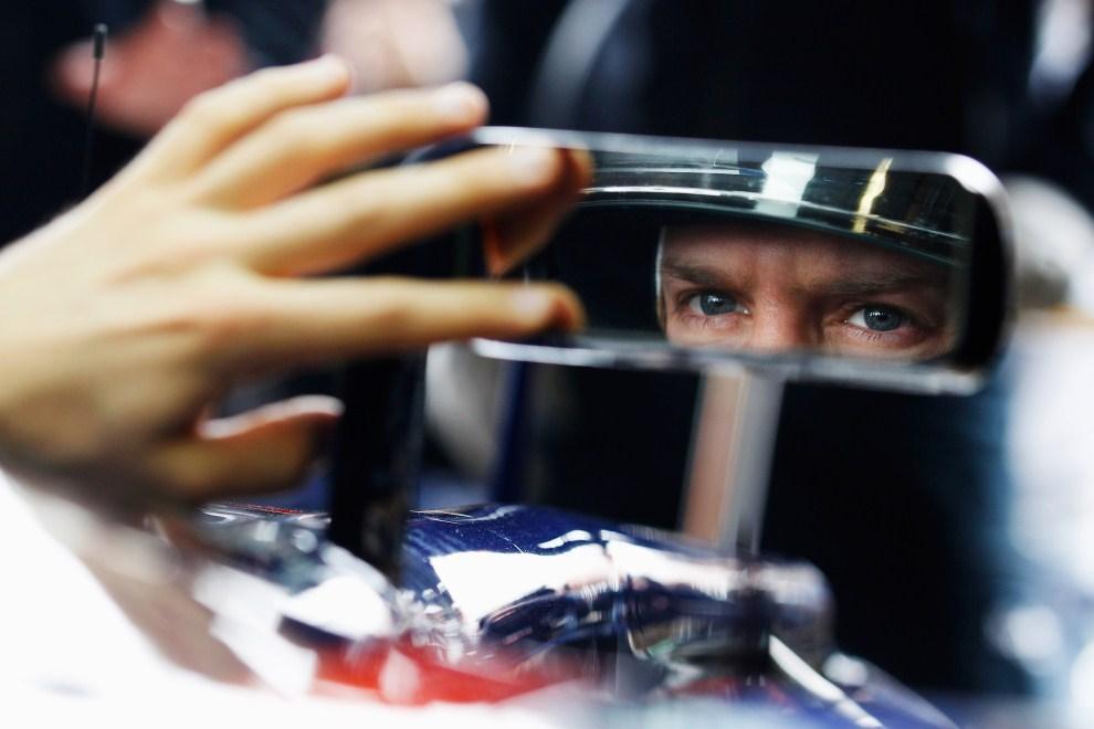 13. AUSTRALIA, Melbourne, 25 marca 2011: Sebastian Vettel przygotowuje się do treningu na torze w Melbourne. (Foto: Mark Thompson/Getty Images)