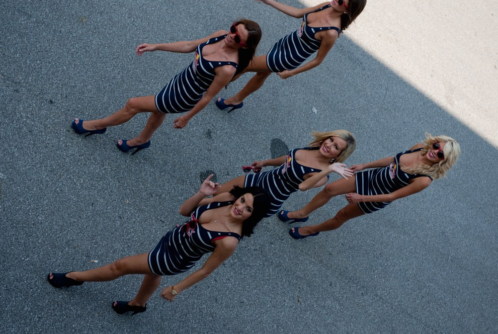 14. USA, Indianapolis, 29 sierpnia 2010: Hostessy porzed na padoku rozpoczęciem  wyścigu. (Foto: Mirco Lazzari gp/Getty Images)
