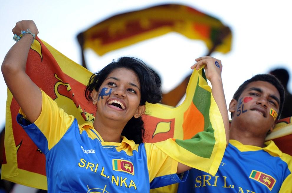 18. SRI LANKA, Colombo, 5 marca 2011: Kibice reprezentacji Sri Lanki podczas meczu z Australią. AFP PHOTO/Ishara S. KODIKARA
