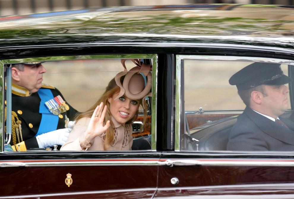 23. WIELKA BRYTANIA, Londyn, 29 kwietnia 2011: Beatrycze Elżbieta Maria Mountbatten-Windsor, wnuczka królowej Elżbiety II, córka Andrzeja, księcia Yorku i Sarah Ferguson.   AFP PHOTO / BEN STANSALL