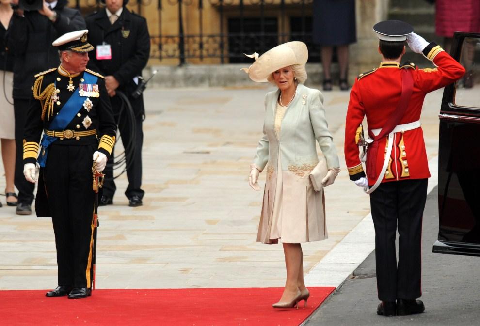 26. WIELKA BRYTANIA, Londyn, 29 kwietnia 2011: Karol, książę Walii i książę Rothesay oraz Camilla Rosemary Mountbatten-Windsor, księżna Kornwalii. AFP PHOTO / BEN STANSALL