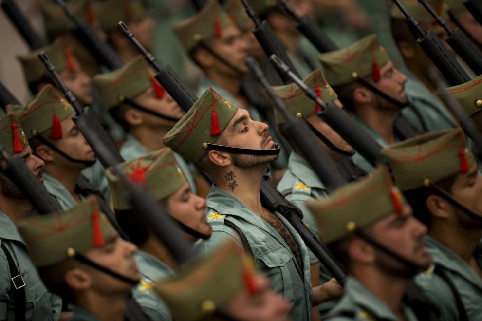 5. HISZPANIA, Málaga, 21 kwietnia 2011: Żołnierze hiszpańskiej Legii Cudzoziemskiej w czasie procesji wielkotygodniowej. AFP PHOTO/ JORGE GUERRERO