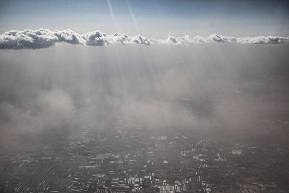7. CHINY, Pekin, 17 kwietnia 2011: Burza piaskowa na Pekinem. (Foto: Feng Li/Getty Images)