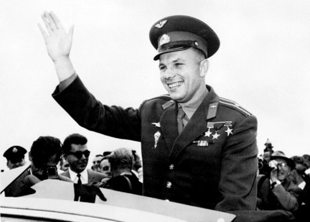 9. WIELKA BRYTANIA, Londyn, 11 lipca 1961: Jurij Gagarin podczas oficjalnej wizyty w Wielkiej Brytanii. AFP