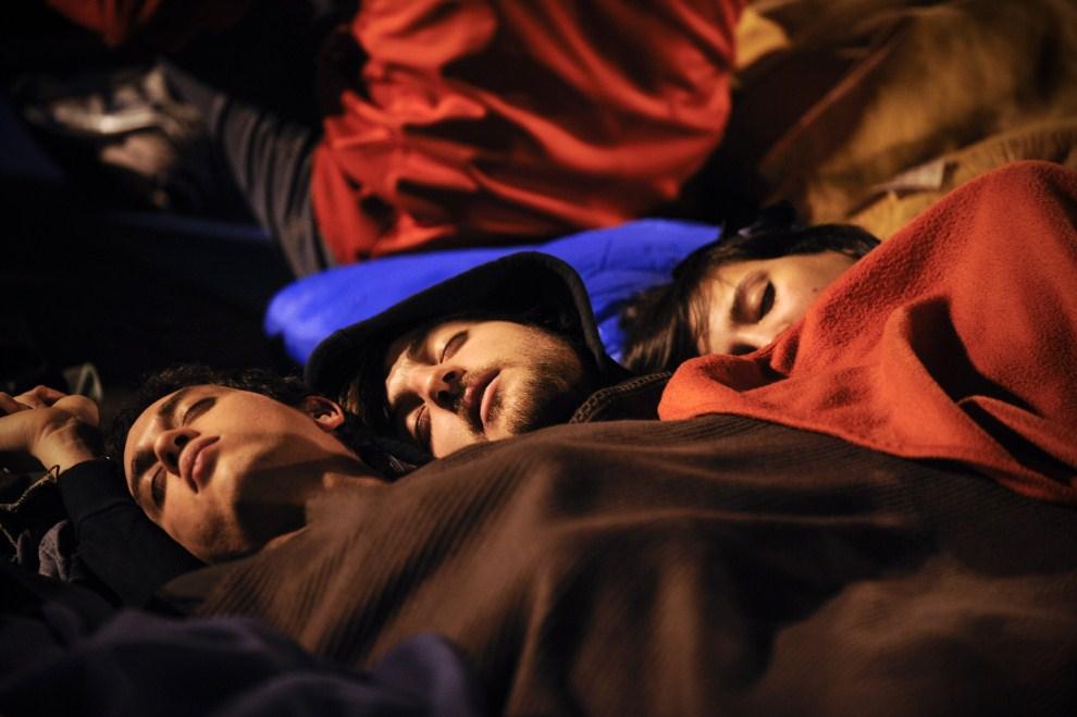 24. HISZPANIA, Madryt, 21 maja 2011: Ludzie nocujący na Puerta del Sol. AFP PHOTO / PEDRO ARMESTRE