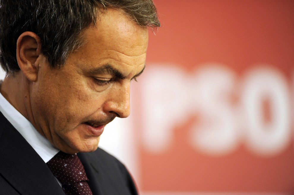 26. HISZPANIA, Madryt, 22 maja 2011: Jose Luis Rodriguez Zapatero podczas konferencji prasowej po ogłoszeniu wstępnych wyników wyborów. AFP PHOTO / JAVIER SORIANO
