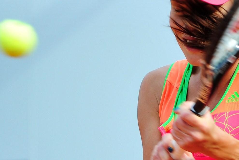 33. WŁOCHY, Rzym, 11 maja 2011: Serbka Ana Ivanovic podczas meczu z Belgijką Yaniną Wickmayer. AFP PHOTO / ALBERTO PIZZOLI