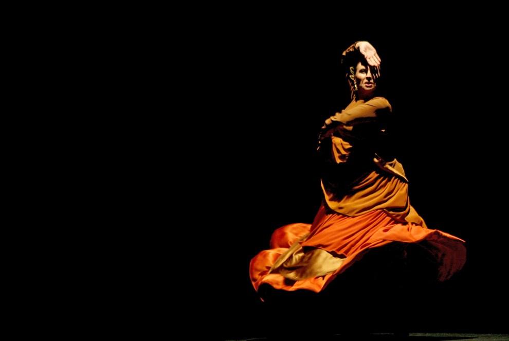 6. HISZPANIA, Jerez, 27 lutego 2006: Merche Esmeralda podczas występu. AFP PHOTO/ JOSE LUIS ROCA