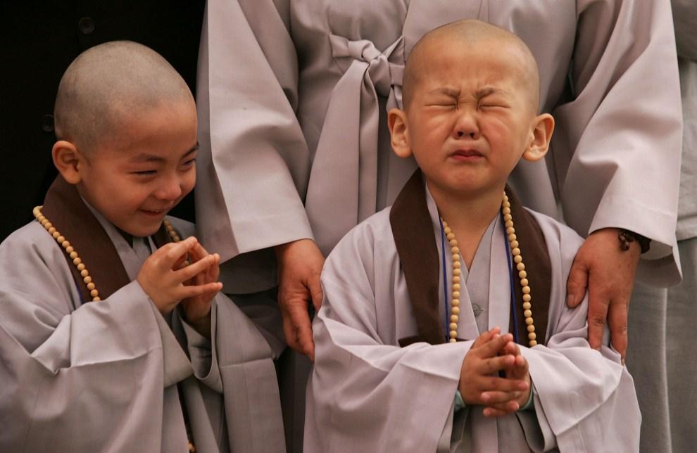 11. KOREA POŁUDNIOWA, Seul, 3 maja 2010: Dzieci podczas ceremonii z okazji urodzin Buddy. (Foto: Chung Sung-Jun/Getty Images)