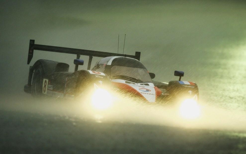 13. FRANCJA, Le Mans, 14 czerwca 2007: Sebastien Bourdais (Peugeot) podczas drugiej serii kwalifikacyjnej. (Foto:  Ryan Pierse/Getty Images)