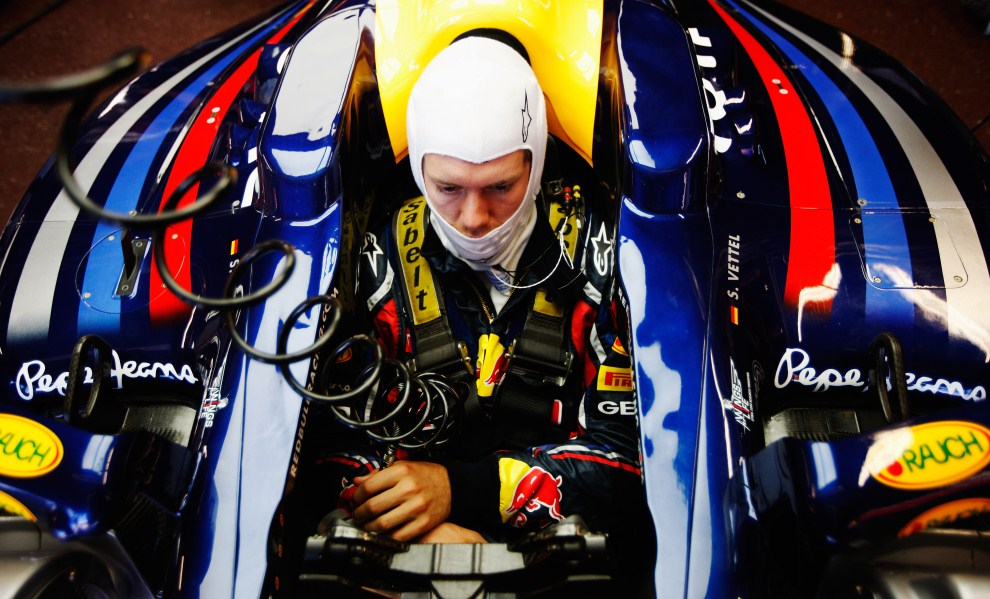 31. MONAKO, 28 maja 2011: Sebastian Vettel (Red Bull Racing) przygotowuje się do przejazdu kwalifikacyjnego podczas GP Monako. (Foto: Mark Thompson/Getty Images)