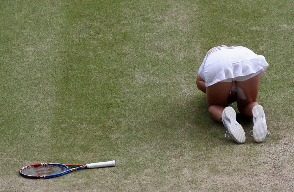 27. WIELKA BRYTANIA, Londyn, 2 lipca 2011: Petra Kvitova po zwycięstwie nad Marią Szarapową. AFP PHOTO/FELIPE TRUEBA/POOL