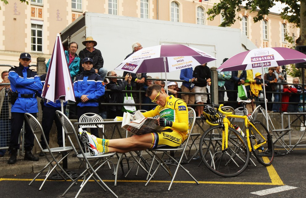 2. FRANCJA, Limoux, 17 lipca 2011: Thomas Voeckler przed startem do piętnastego etapu. (Foto: Bryn Lennon/Getty Images)