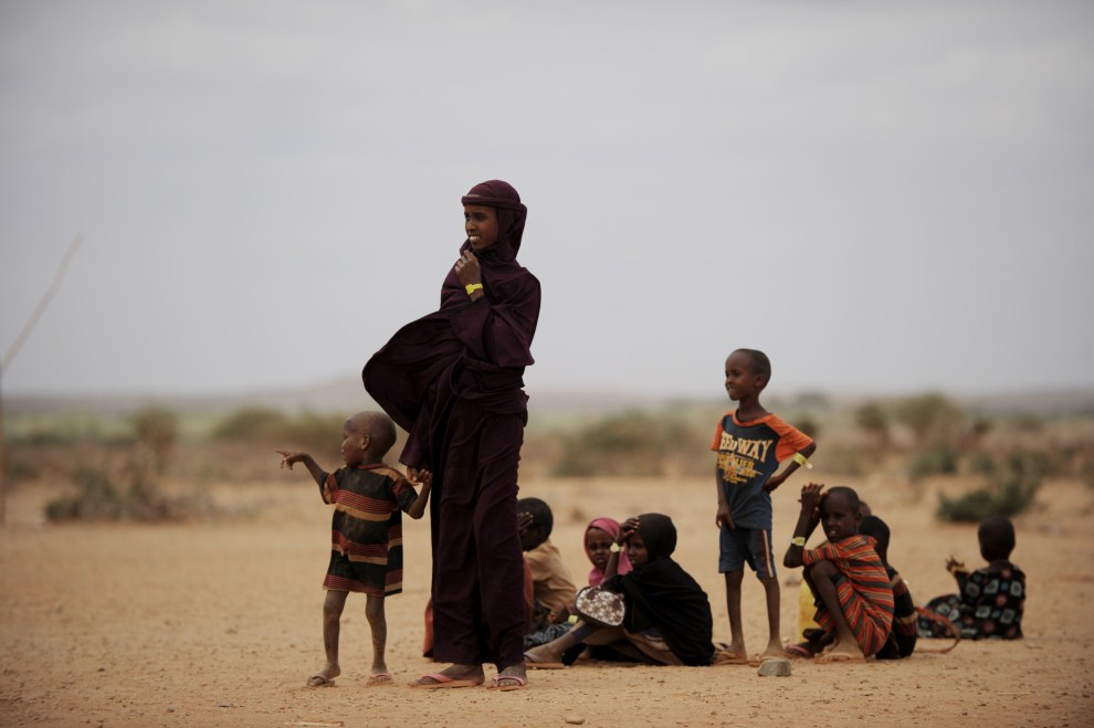 5th ETHIOPIA, Kobe camp, July 19, 2011: Woman with Child on the Border between Ethiopia and Somalia. AFP PHOTO / ROBERTO SCHMIDT