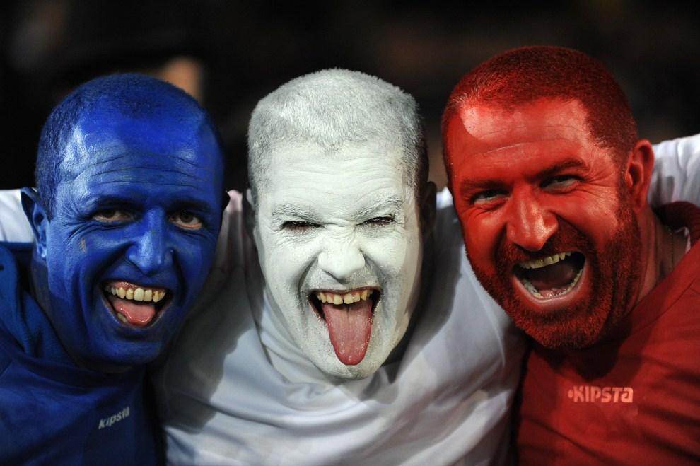 19. NOWA ZELANDIA, Auckland, 23 października 2011: Francuscy kibice podczas meczu finałowego Pucharu Świata w Rugby. AFP PHOTO / GREG WOOD