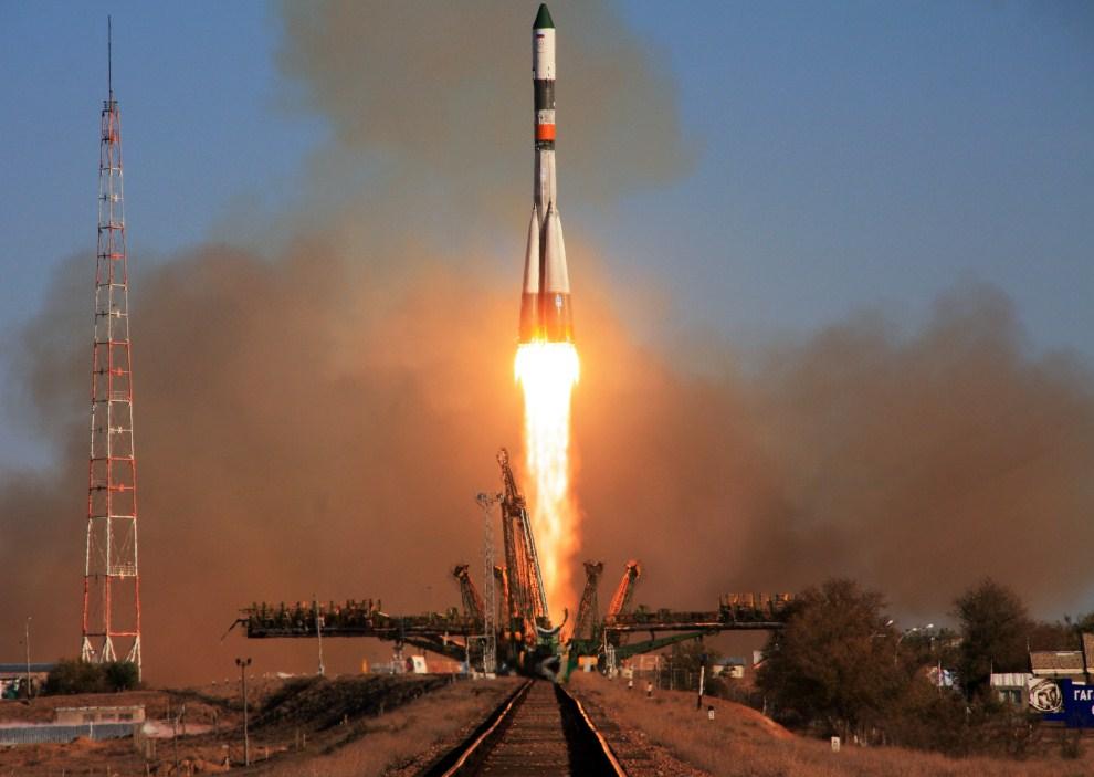 10. KAZACHSTAN, Bajkonur, 30 października 2011: Rosyjska rakieta Progress M-13M podczas startu misji zaopatrzeniowej dla MSK. AFP PHOTO