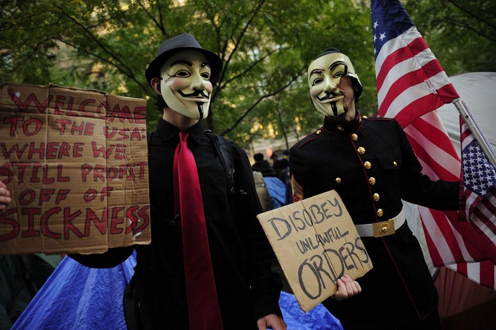 3. USA, Nowy Jork, 30 października 2011: Uczestnicy protestów przy Wall Street w Nowym Jorku. AFP PHOTO/Emmanuel Dunand