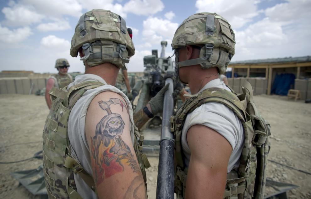2.AFGANISTAN, Kuschamond, 13 września 2011: Amerykańskie stanowisko artyleryjskie  w bazie Kuschamond. AFP PHOTO/Johannes EISELE