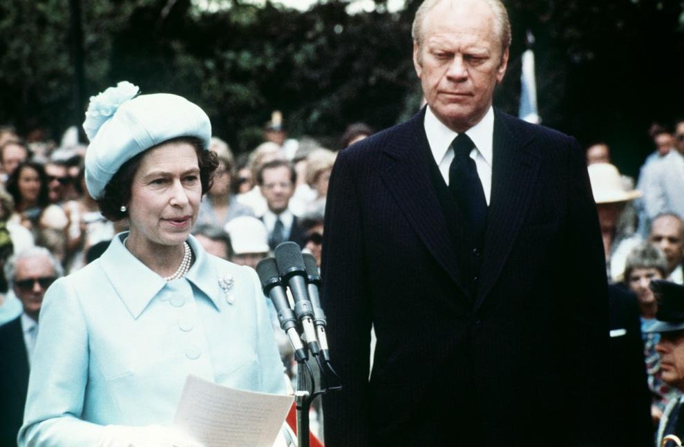 17.USA, Waszyngton, 7 lipca 1976: Elżbieta II podczas spotkania z prezydentem Ford'em. AFP