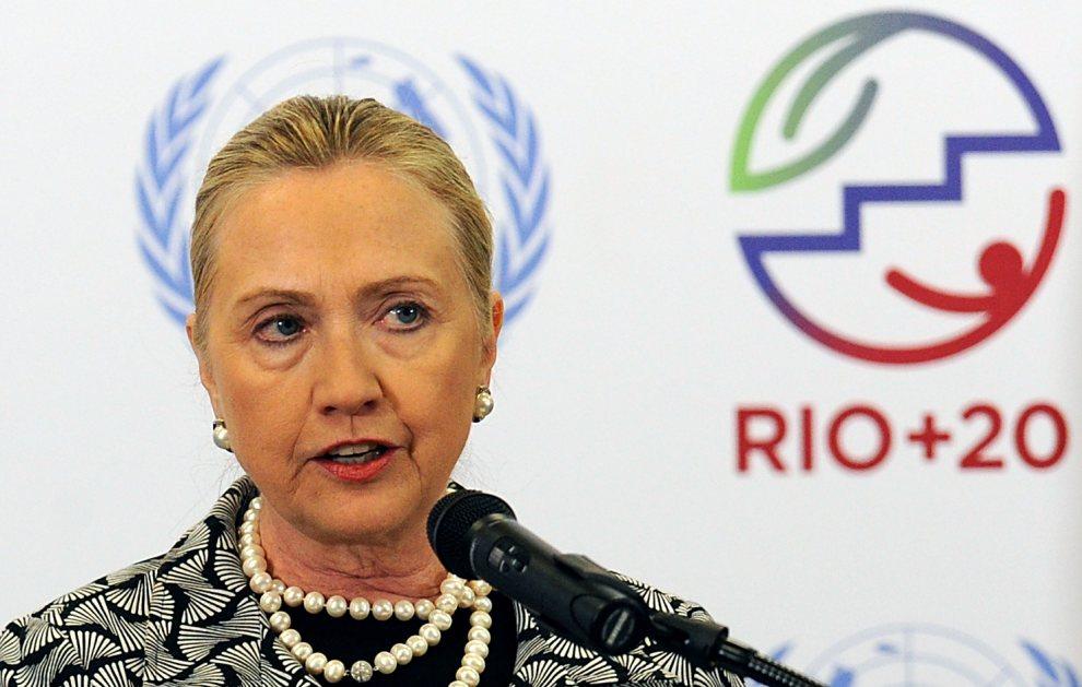 16.BRAZYLIA, Rio de Janeiro, 22 czerwca 2012: Sekretarz Stanu, Hillary Clinton, w trakcie wystąpienia. AFP PHOTO / EVARISTO SA