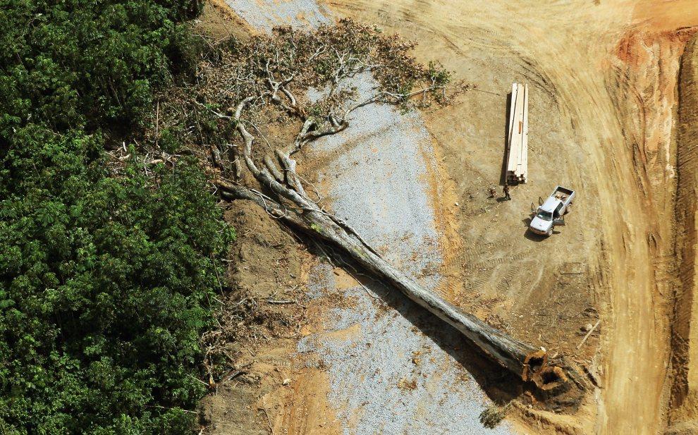 6.BRAZYLIA, Altamira, 15 czerwca 2012: Plac budowy kontrowersyjnej zapory Belo Monte. (FotoMario Tama/Getty Images)