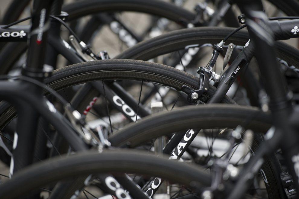 15.BELGIA, Liège, 29 czerwca 2012: Rowery zespołu Europcar. AFP PHOTO / LIONEL BONAVENTURE
