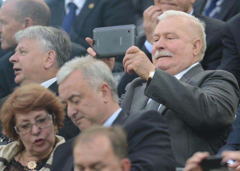 18.POLSKA, Gdańsk, 22 czerwca 2012: Lech Wałęsa na meczu ćwierćfinałowym pomiędzy zespołami Niemiec i Grecji.  AFPPHOTO/ PATRIK STOLLARZ