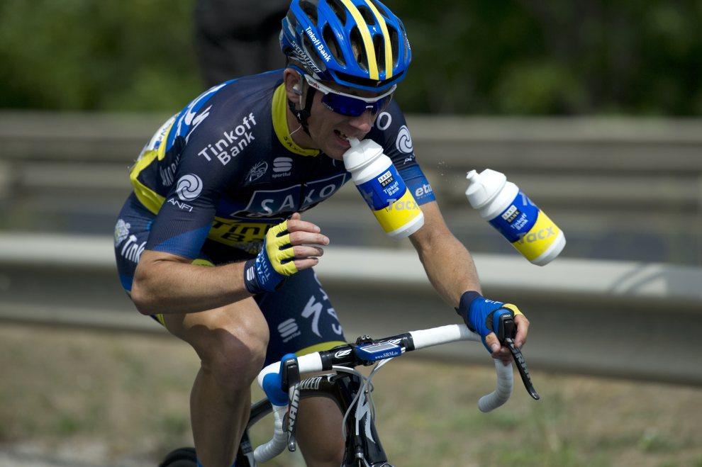 21.FRANCJA, Le Cap d'Agde, 14 lipca 2012: Duńczyk Michael Morkov na trasie 13. etapu Tour de France. AFP PHOTO / LIONEL BONAVENTURE