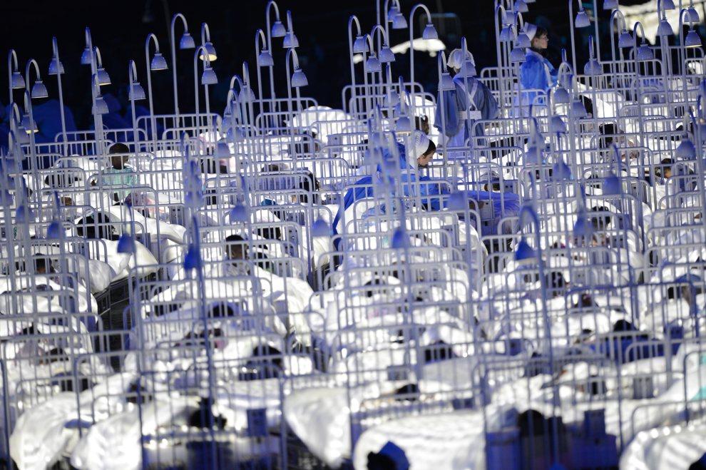 20.WIELKA BRYTANIA, Londyn, 27 lipca 2012: Scenografia przygotowana na ceremonię otwarcia. AFP PHOTO / CHRISTOPHE SIMON