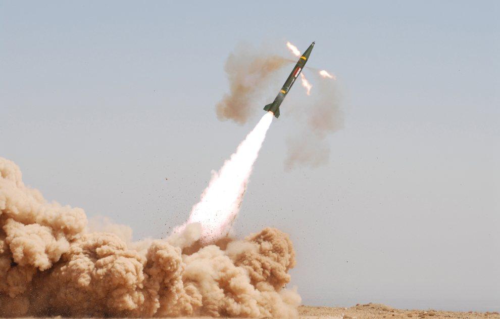 """22.SYRIA,  brak dokładnej lokalizacji, 11 lipca 2012: Start pocisku """"Maysaloon"""" w trakcie ćwiczeń armii rządowej. AFP PHOTO / HO / SANA"""