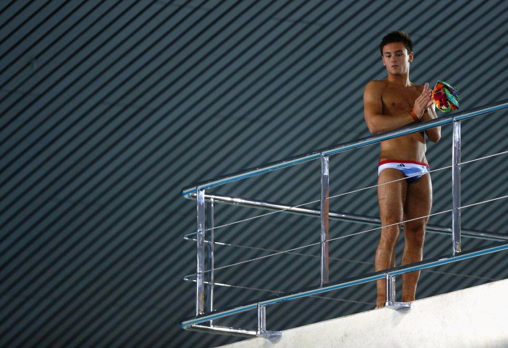 26.WIELKA BRYTANIA, Londyn, 17 lipca 2012: Tom Daley (Wielka Brytania) podczas treningu na basenie. (Foto: Paul Gilham/Getty Images)