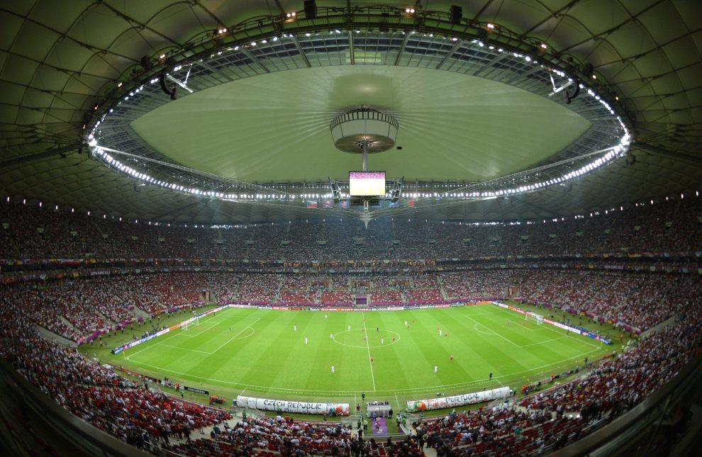 2.POLSKA, Warszawa, 21 czerwca 2012: Widok na murawę i trybuny Stadionu Narodowego. AFP PHOTO / GABRIEL BOUYS
