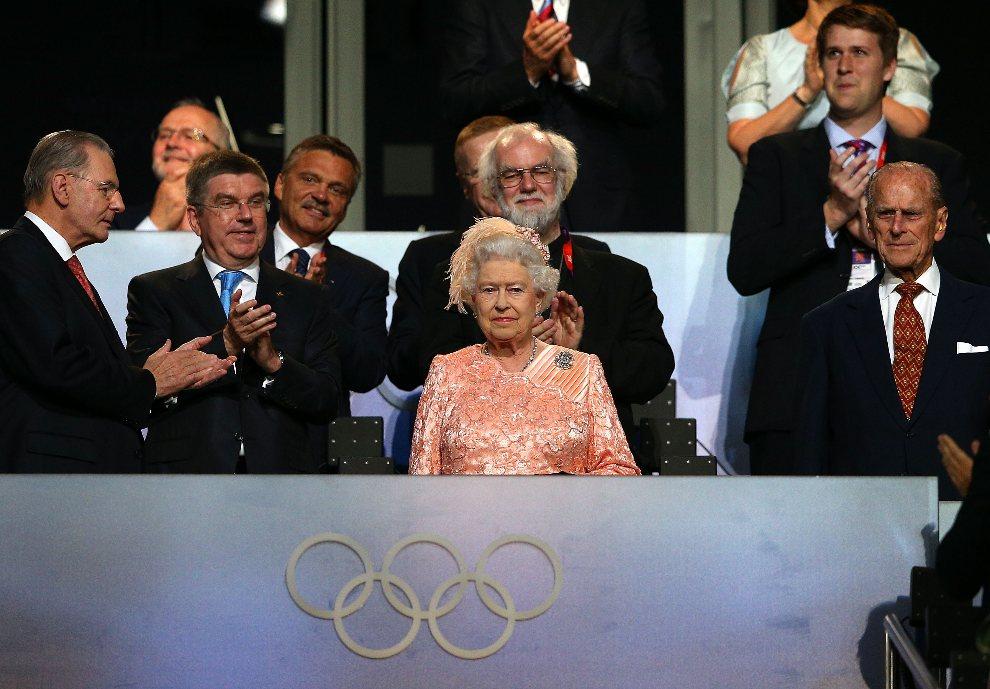 7.WIELKA BRYTANIA, Londyn, 27 lipca 2012: Elżbieta II. na trybunie podczas uroczystości otwarcia. (Foto: Cameron Spencer/Getty Images)