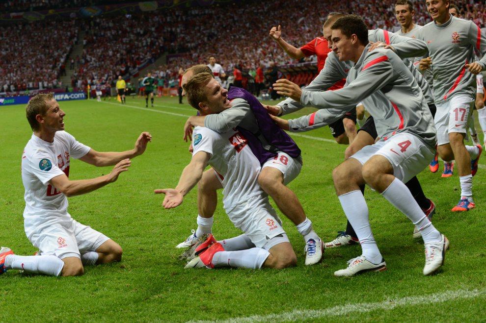 9.POLSKA, Warszawa, 12 czerwca 2012: Jakub Błaszczykowski cieszy się z bramki zdobytej w meczu z Rosją. AFP PHOTO / JANEK SKARZYNSKI
