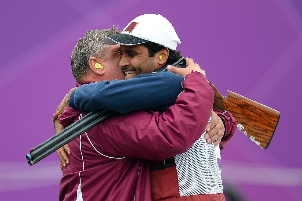 15.WIELKA BRYTANIA, Londyn, 31 lipca 2012: Nasser Al-Attiya (Katar)  cieszy się ze swojego występu. (Foto:  Lars Baron/Getty Images)