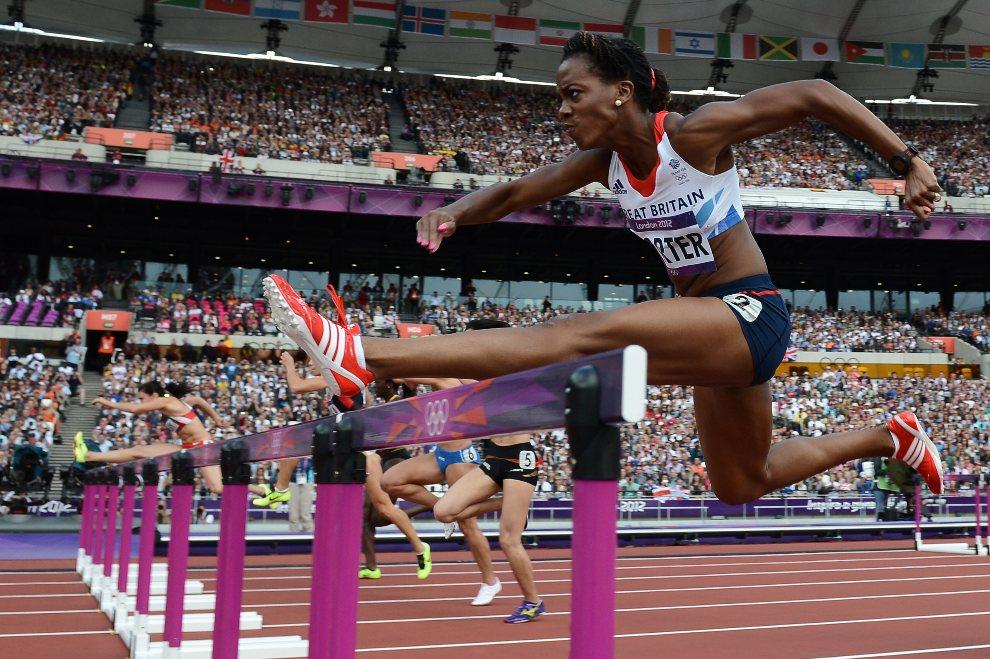 17.WIELKA BRYTANIA, Londyn, 6 sierpnia 2012: Tiffany Porter w trakcie biegu przez płotki na dystansie 100 m. AFP PHOTO / FRANCK FIFE