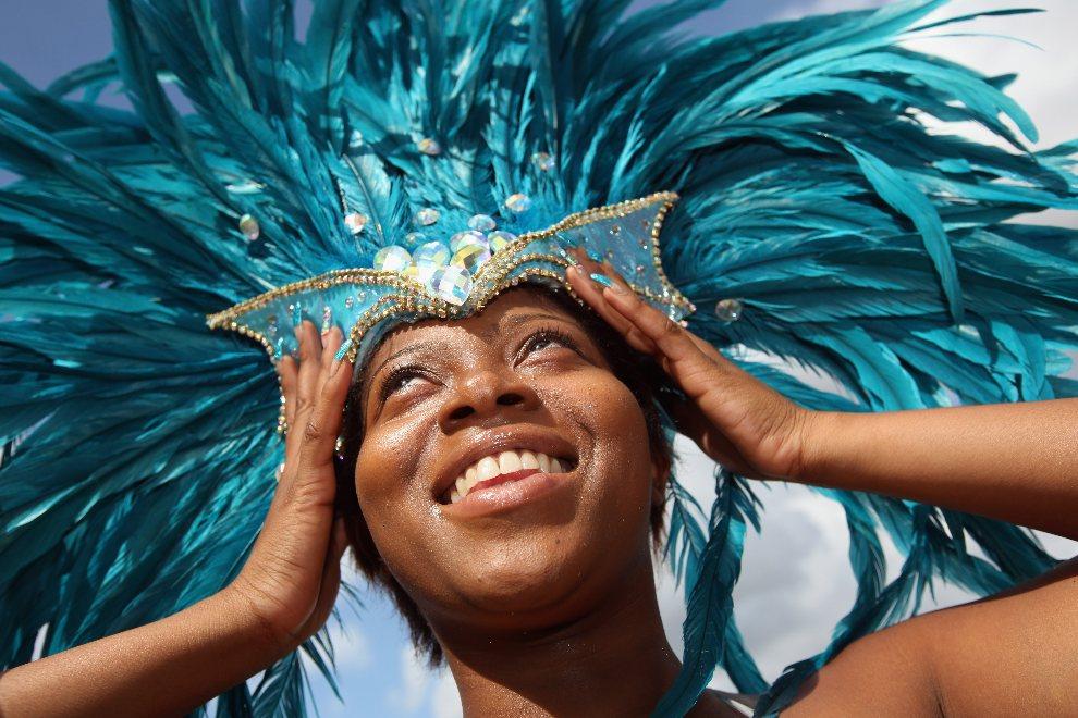 1.WIELKA BRYTANIA, Londyn, 24 sierpnia 2011: Uczestniczka karnawału podczas sesji fotograficznej. (Foto: Dan Kitwood/Getty Images)
