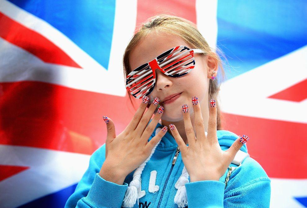 1.WIELKA BRYTANIA, Londyn, 31 lipca 2012: Młoda kibicka prezentuje barwy narodowe. (Foto:  Laurence Griffiths/Getty Images)