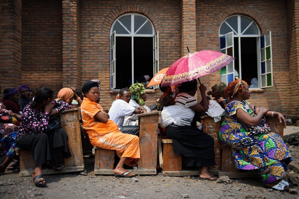 21.DEMOKRATYCZNA REPUBLIKA KONGA, Goma, 1 sierpnia 2012: Uczestnicy nabożeństwa ekumenicznego. AFP PHOTO/PHIL MOORE